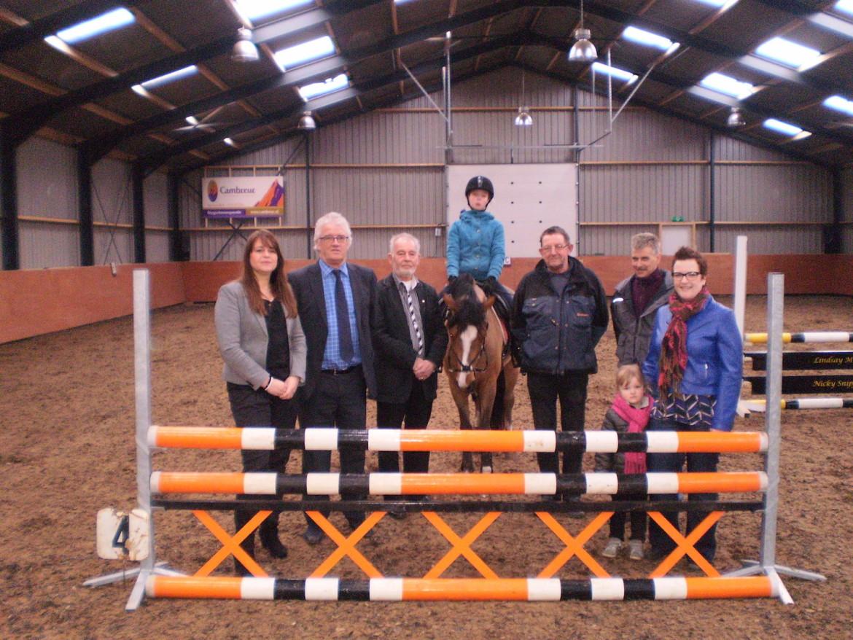2013-Paardver. De weideruiters Elim, 21 mrt 2013-bijdrage stichting voor elkaar-unive verzekeringen