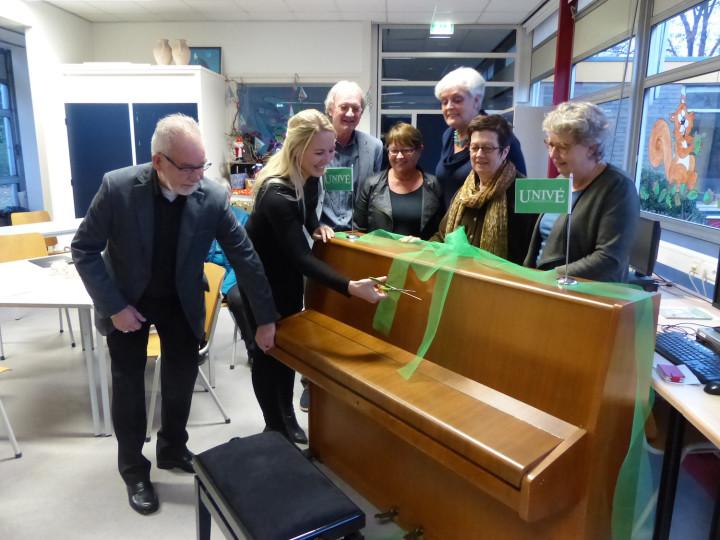 Nieuwe piano voor Kleinkoor Excelsior Ommen