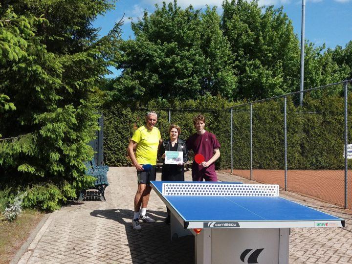 Buiten tennistafel voor Tennis vereniging Zuidbroek