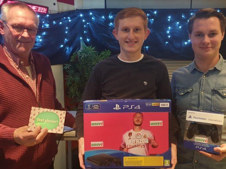 Een nieuwe Playstation4 voor Deventer Scheidsrechtervereniging en Omstreken